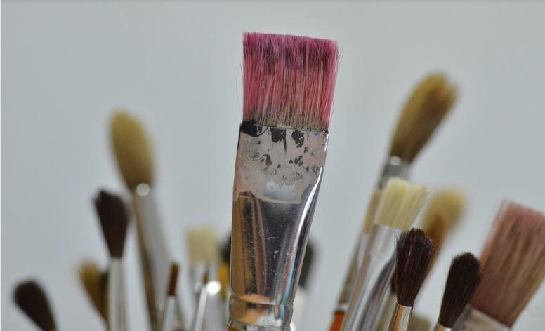 Astuce pour nettoyer les pinceaux et les rendre neufs - Comment nettoyer un congelateur ...